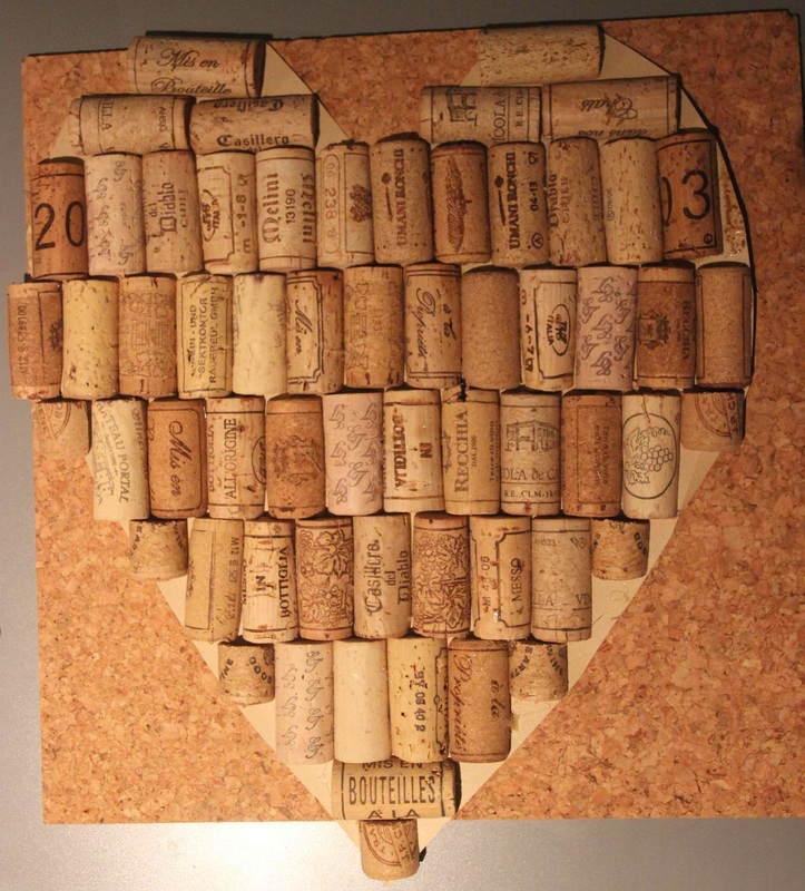 Heart shaped cork board sarah 39 s sewing for Heart shaped bulletin board